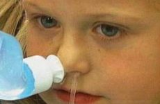 детям промывают нос физрасткором