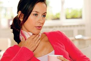 Какие средства от боли в горле самые лучшие, эффективные, недорогие и какие из них подходят детям и женщинам во время беременности?