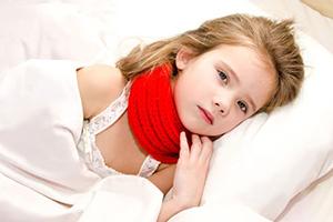 Что делать, если у ребенка болит горло, чем лечить и как быстро вылечить в домашних условиях?