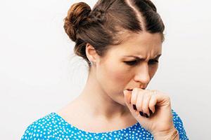 Чем лечить першение в горле и насморк без температуры и что делать, если заложен нос?
