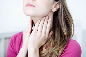 Обзор некоторых лекарств и препаратов от першения в горле: леденцы, пастилки, спреи и другие средства