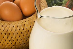 молоко и яйцо куриное